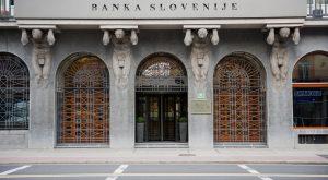 Ljubljana (Slowenien), Banka Slovenije – Slowenische Nationalbank.Teilansicht: Eingang.Foto, 16.09.2010., Image: 277553685, License: Rights-managed, Restrictions: , Model Release: no, Credit line: Profimedia, AKG