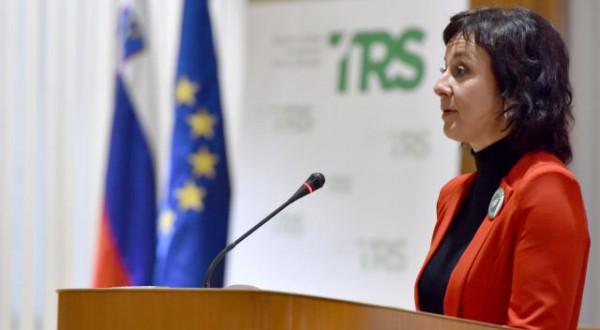 Posvet o zakonu o romski skupnosti, ki sta ga priredila Gibanje za trajnostni razvoj Slovenije TRS in DS. Predsednica Gibanja za trajnostni razvoj Slovenije (TRS) Lara Jankovic.