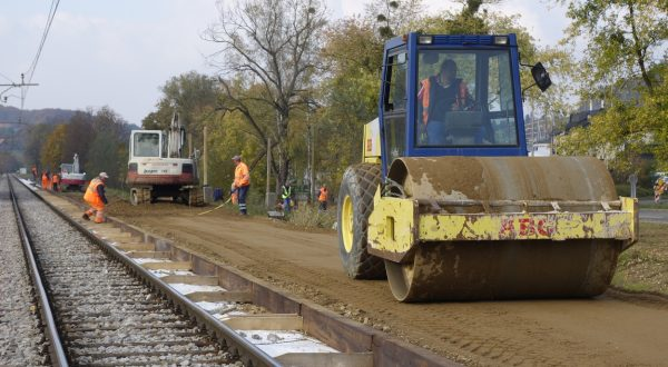 SENTILJ (SLOVENIA), Oct. 30, 2015  -- Slovenian workers run bulldozers and rollers in an urgent construction of a 100-metre long temporary railway platform near a refugee camp at Sentilj, Slovenia, on Oct. 30, 2015. Sentilj, a small town in Slovenian Maribor region near the border with Austria, is currently hosting a larger number of refugees than that at the accomodation centres in Slovenia's Brezice and Dobova near Croatia., Image: 264375004, License: Rights-managed, Restrictions: , Model Release: no, Credit line: Profimedia, Zuma Press - News