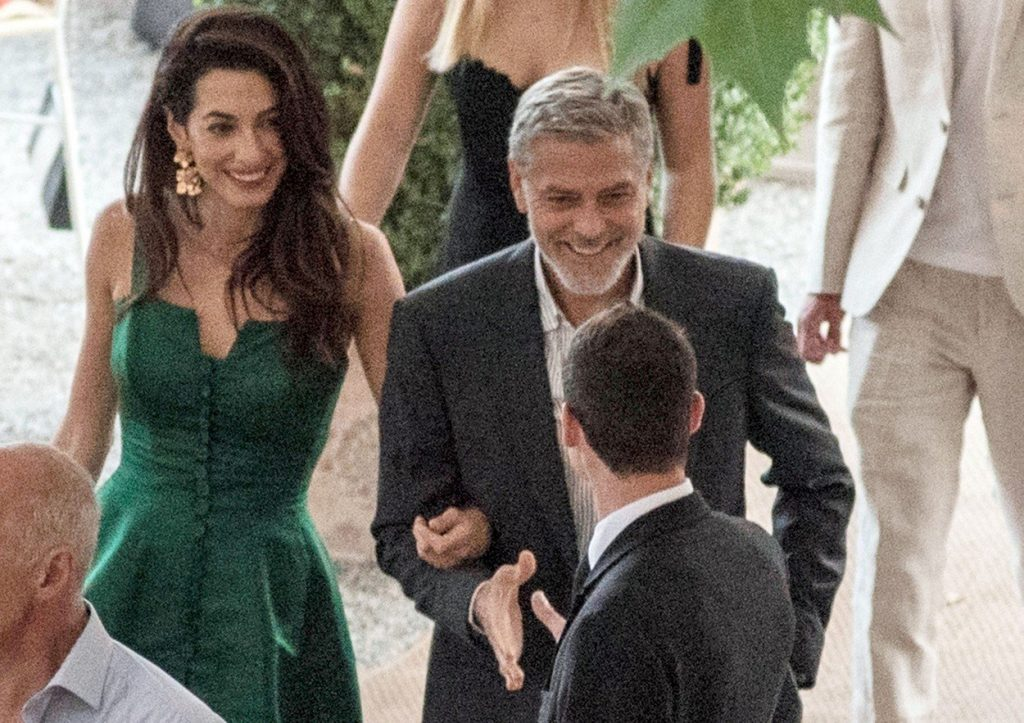 Amal Clooney v zeleni obleki 6