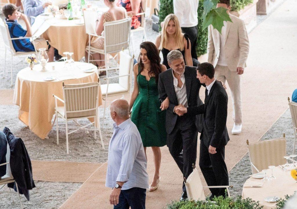 Amal Clooney v zeleni obleki 7