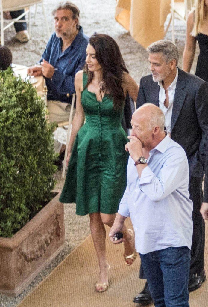 Amal Clooney v zeleni obleki 4