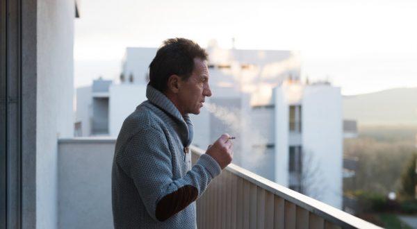prepovedali kajenje na balkonu