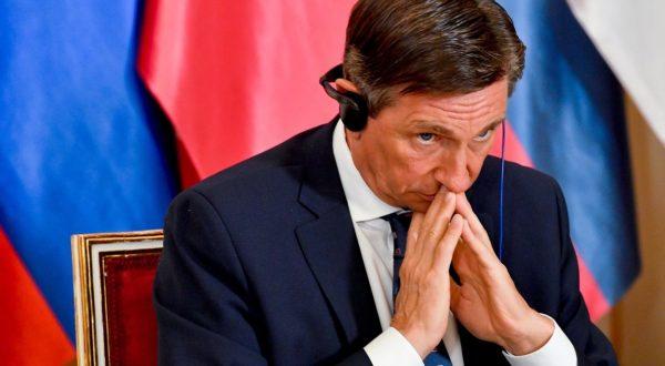 Borut Pahor poje