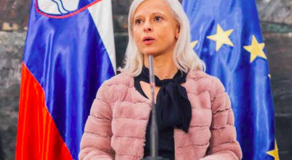 Ksenija Klampfer SMC