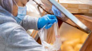upokojenci trgovina koronavirus