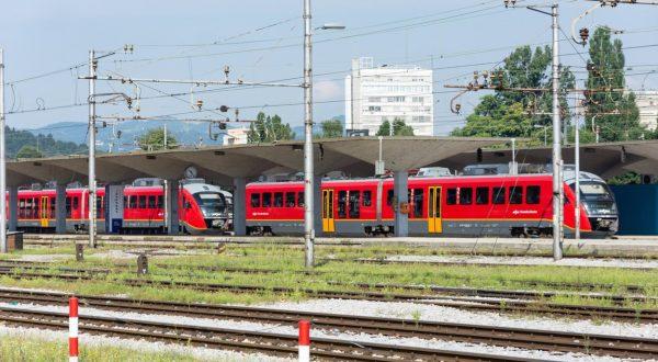 upokojenci brezplačno na avtobuse in vlake
