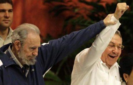 Deset let brez Fidela, a še vedno s Castrom