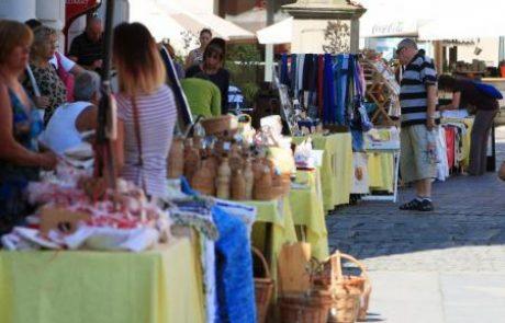 Obrtniki ob petkih na Grajskem trgu