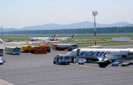 Na ljubljanskem letališču ob težavah Adrie okrepili klicni center, saj se po pomoč obrača vse več potnikov