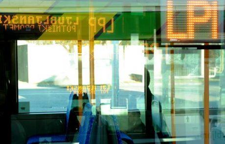 Na mestnih avtobusih bodo izpolnjevanje pogoja PCT preverjali kontrolorji in inšpektorji