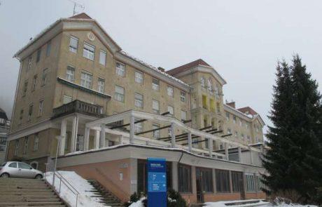 Na Golniku znova prepoved rednih obiskov bolnikov