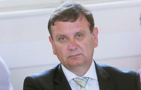 Svet DeSUS za vodjo stranke do kongresa izvolil podpredsednika stranke Antona Balažka