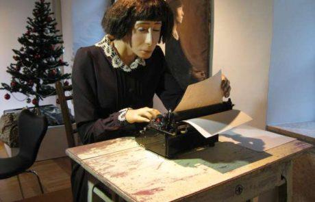 Na Dunaju razstava o izjemni Slovenki, svetovni popotnici in pisateljici Almi M. Karlin