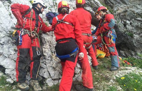 Reševanje ponesrečenca iz slovenske jame na programu National Geographic