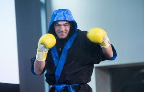 Dejan Zavec bo v Slovenijo pripeljal spektakularne boksarske dvoboje