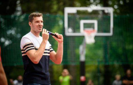 Slovenski košarkarski zvezdnik Goran Dragić na Twitterju potrdil, da ostaja pri Miami Heat