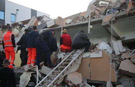 Slovenija v Albanijo na pomoč pošilja šotore, postelje, odeje, spalne vreče in agregate