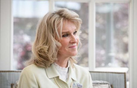 Ameriška veleposlanica v Sloveniji postala botra lipicanske žrebičke