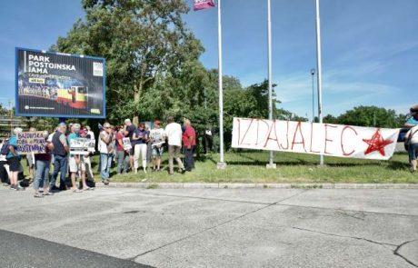 Na Fernetičih protest proti obisku Pahorja v Bazovici, zmerjajo ga z izdajalcem