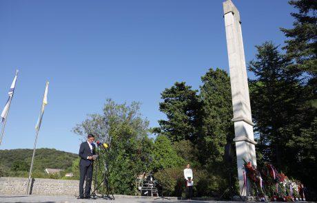 Pahor in Milanović položila venec k spomeniku žrtvam italijanskega fašističnega nasilja