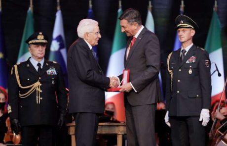 Pahor italijanskemu predsedniku Mattarelli podelil najvišje državno priznanje