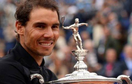 Rafael Nadal slavil deseto turnirsko zmago v Barceloni