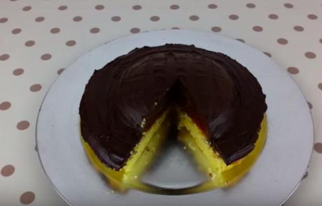 Jaffa torta je absolutni hit na spletu: Sestavine imate doma, priprava pa je enostavna in hitra