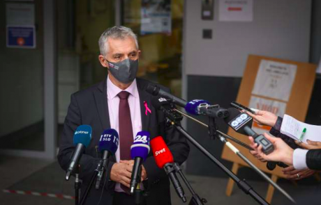 Gantar: Nisem bil seznanjen glede dodatnih količin cepiva