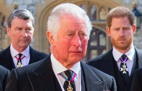 """""""Oče, oprosti"""": Princ Harry je svojemu užaljenemu očetu napisal čustveno pismo"""