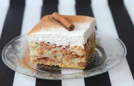 Okusno in enostavno: Hitri jabolčni kolač, za katerega ne potrebujete niti mešalnika