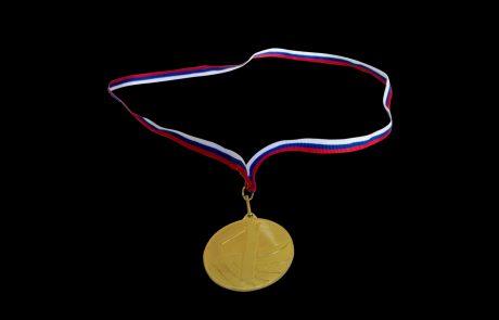Pahor z medaljami odlikoval zamejce in novinarje