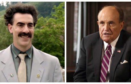 Borat zasačil Trumpovega odvetnika pri dotikanju spolovila