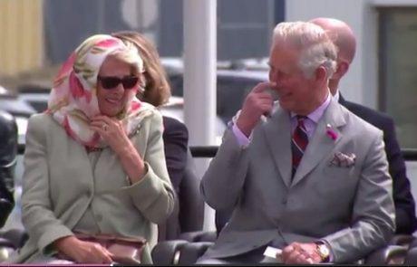 Video: Tako sta se princ Charles in Camilla nekontrolirano smejala nastopu Inuitov