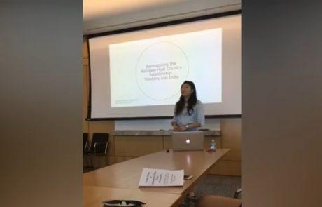 Profesorica ji je rekla, da ni primerno oblečena, v znak protesta je naredila tole … (Video)