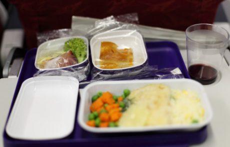 Razkrit pravi razlog, zakaj je hrana na letalih tako slabega okusa!