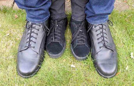 Uradni lastnik največjih stopal na svetu nosi številko čevljev 57