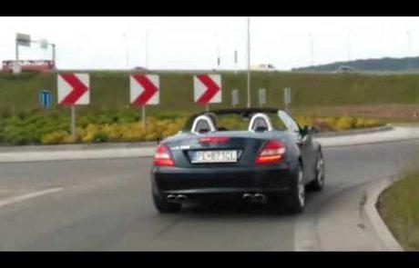 Posnetek voznika mercedesa, ki te dni močno razburja uporabnike Youtubea