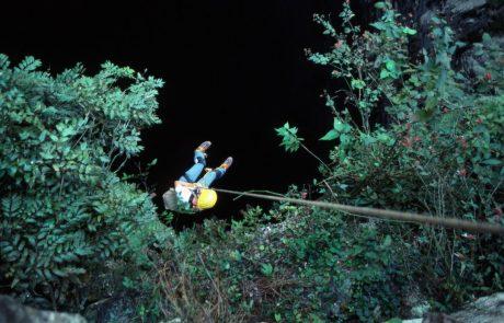 Slovenski jamarji odkrili več kot 1000 metrov globoko jamo