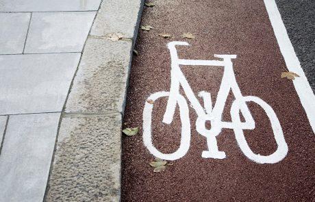 Poškodovan kolesar napihal več kot štiri promile alkohola