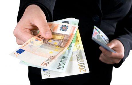 Prihajajo prenovljeni bankovci: Bolje se bodo prilegali denarnicam, manj se bodo obrabili in trgali