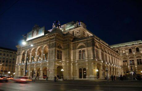 Obiskovalce novoletnega koncerta Dunajskih filharmonikov bodo pred vstopom v dvorano testirali s hitrim testom na koronavirus
