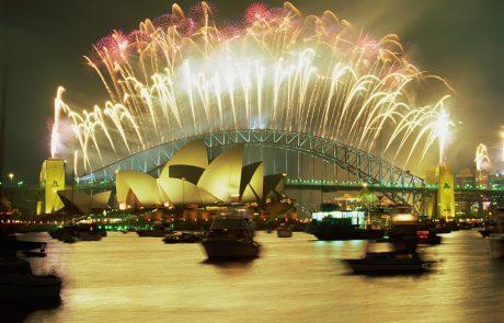V Sydneyju kljub požarom v zrak pognali 4 milijone vreden ognjemet