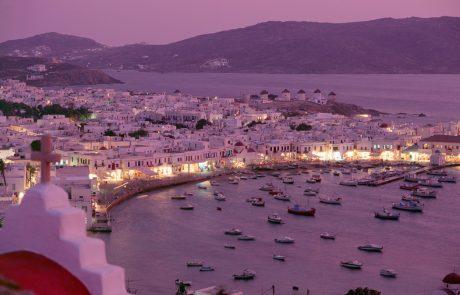 Grške oblasti na Mikonosu uvedle policijsko uro
