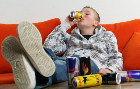 Bo na Hrvaškem že kmalu pepovedana prodaja energijskih pijač mladoletnikom?