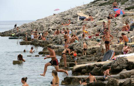 """Turistična sezona kljub porastu okužb ni ogrožena: """"Zdaj se moramo izogibati preveliki vznemirjenosti in pretiranim reakcijam"""""""
