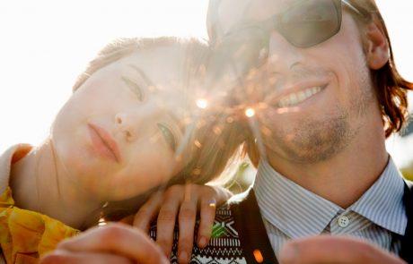 Kako vzdrževati zdrav partnerski odnos? Naučita se ohranjati iskrice v razmerju!