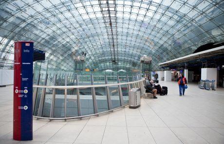 Zaradi sumljive osebe izpraznili del letališča v Frankfurtu, osebo še vedno iščejo