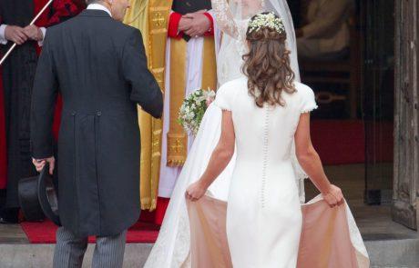 Njuno poroko je gledal ves svet, nevesto pa je zasenčila sestrina zadnjica