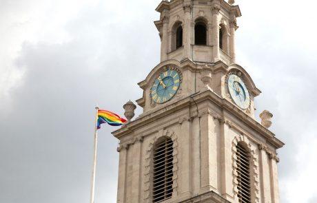 Anketa: Katoličane moti sovražen odnos Cerkve do LGBT oseb